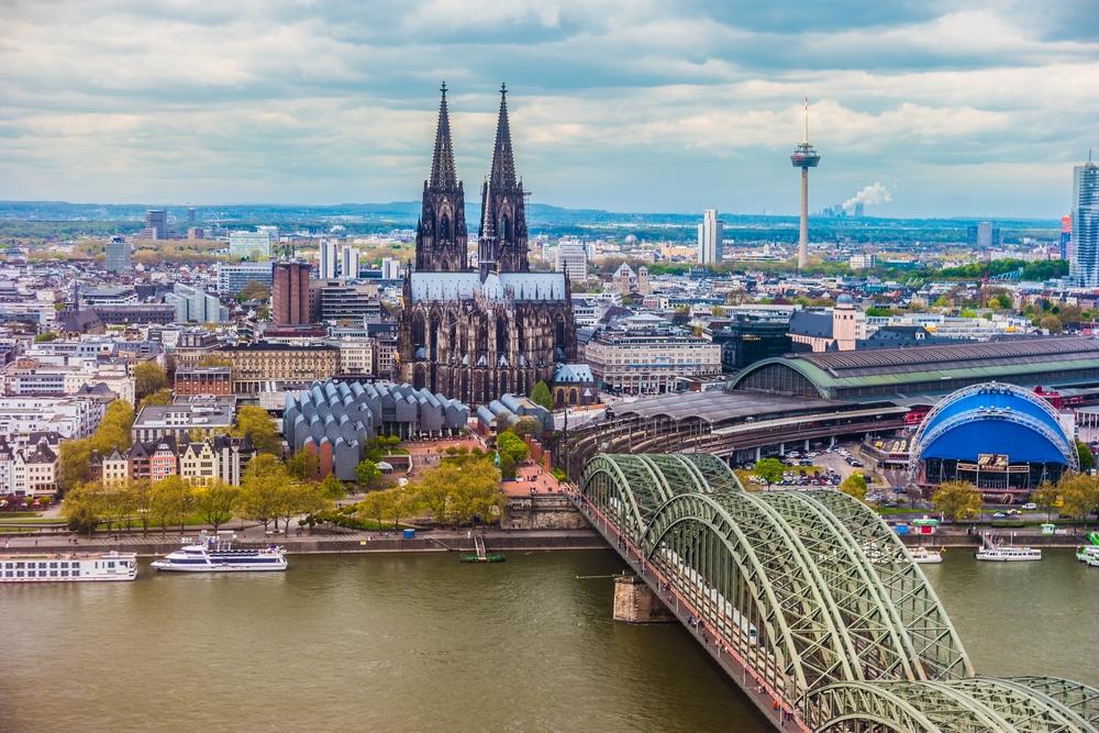 Chuyển phát nhanh hàng hóa từ Việt Nam đi Đức